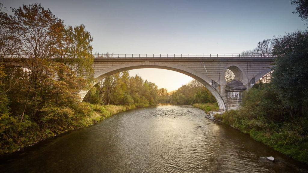 D_AÖ_Garching_4_Bahnbrücke über die Alz (Dirschl Johann)