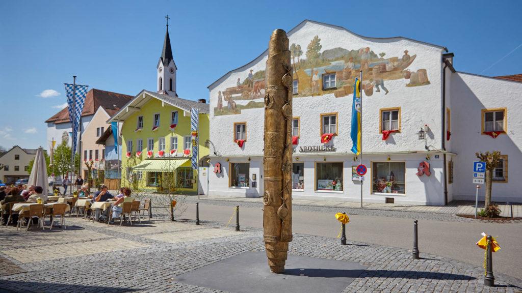 D_AÖ_Marktl_02_Dorfplatz (Dirschl Johann)