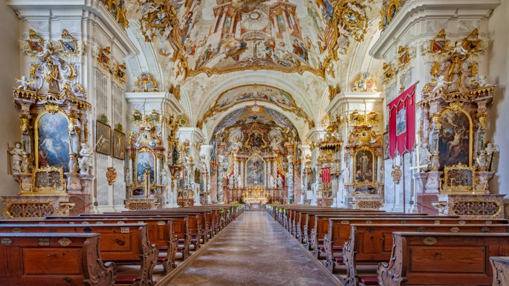 D_AÖ_Raitenhaslach_2_Kirche innen (Dirschl Johann).jpg