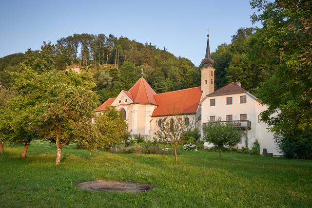 Pfarrkirche Maria Ach im Sonnenlicht
